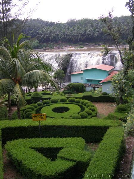 Водопад Thirparappu